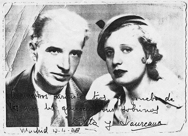 Laureano Llanos Manteca con su esposa la artista Lola Lemos