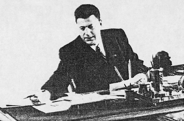 El Jefe de la Construcción - general mayor de ingeniería - Iván Vasílievich Komzín
