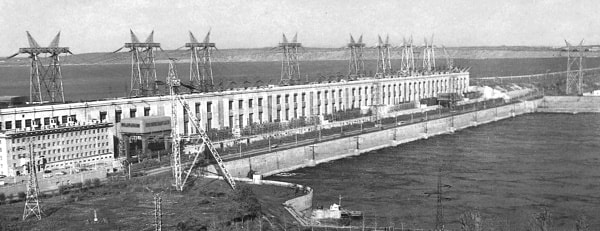 Vista de la Hidroeléctrica V. I. Lenin ya construida