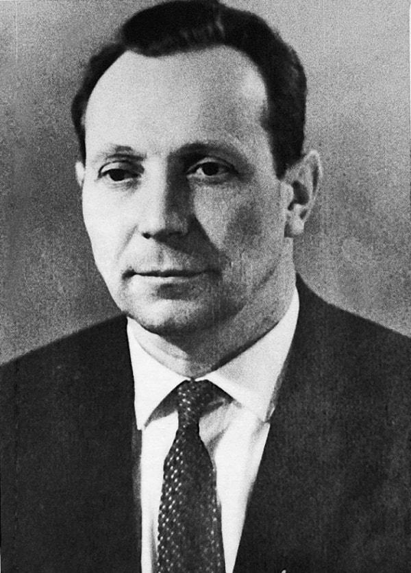 Nicolai Maxímovich Ivantsóv, ex viceministro del Ministerio de Energética y Electrificación de la URSS, Héroe del Trabajo Socialista