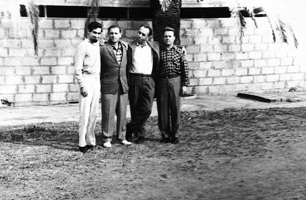 De izquierda a derecha, Enrique Zamorano, Pável Serguéev, Jefe de la Unidad de los marinos soviéticos, capitán de navío, el autor del libro y el capitán de fragata Shkipin