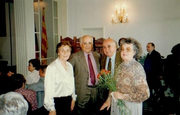 Справа налево, Инна и Вирхилио с товарищами